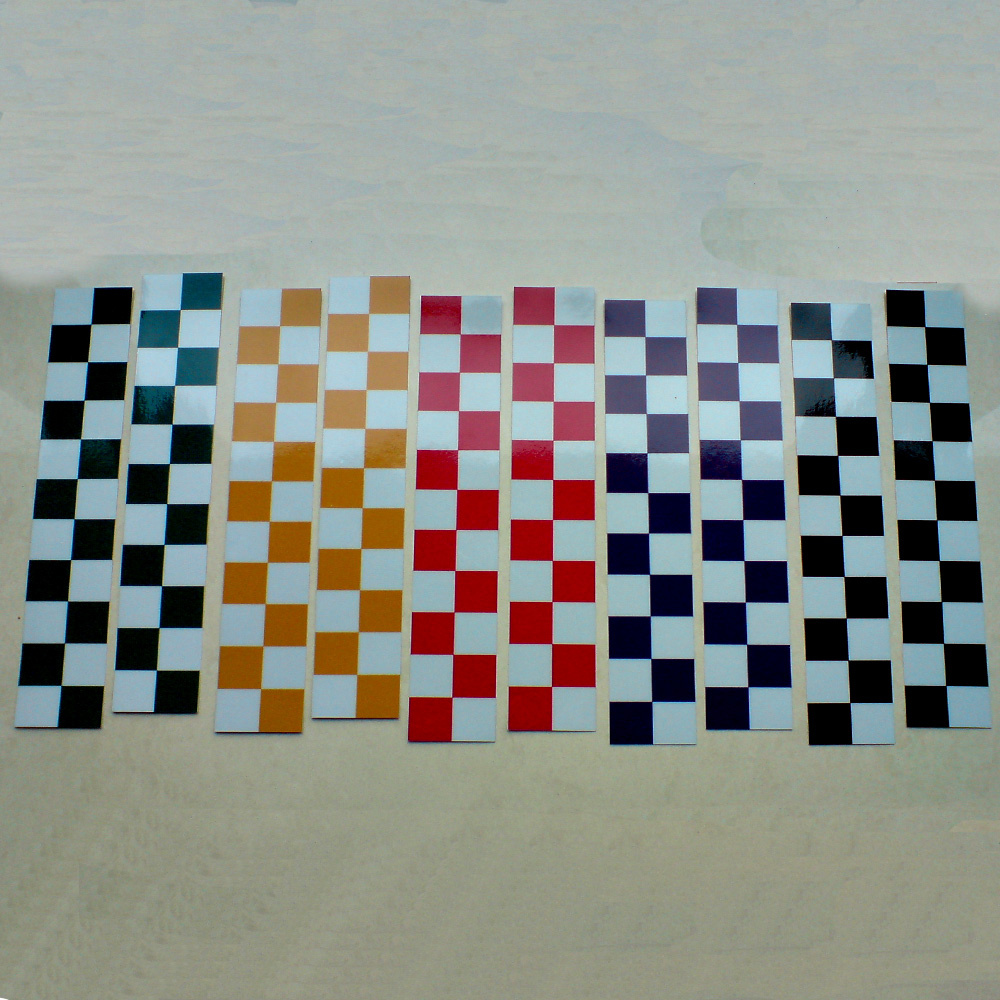 Chequer in black, blue, red, green or yellow. Alternating colour is white.